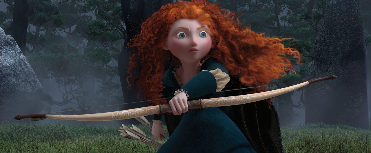 Als die widerspenstige Merida verheiratet werden soll, widersetzt sie sich und flieht. Doch ihr Wunsch nach Selbstbestimmung, löst einen uralten Flu... - Bildquelle: Disney/Pixar. All rights reserved
