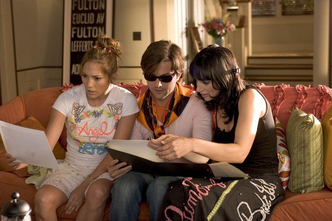 Ihre Nachbarn Morgan (Annie Parisse, r.) und Remy (Adam Scott, M.) sind sozusagen Charlies (Jennifer Lopez, l.) Familie, bis sie Kevin kennenlernt ... - Bildquelle: Warner Bros. Pictures