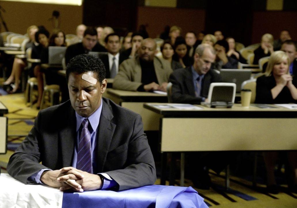 Wird das Gericht zu einem gerechten Urteil finden? Pilot Whip (Denzel Washington) bei seiner Anhörung ... - Bildquelle: Robert Zuckerman 2012 PARAMOUNT PICTURES. ALL RIGHTS RESERVED. / Robert Zuckerman