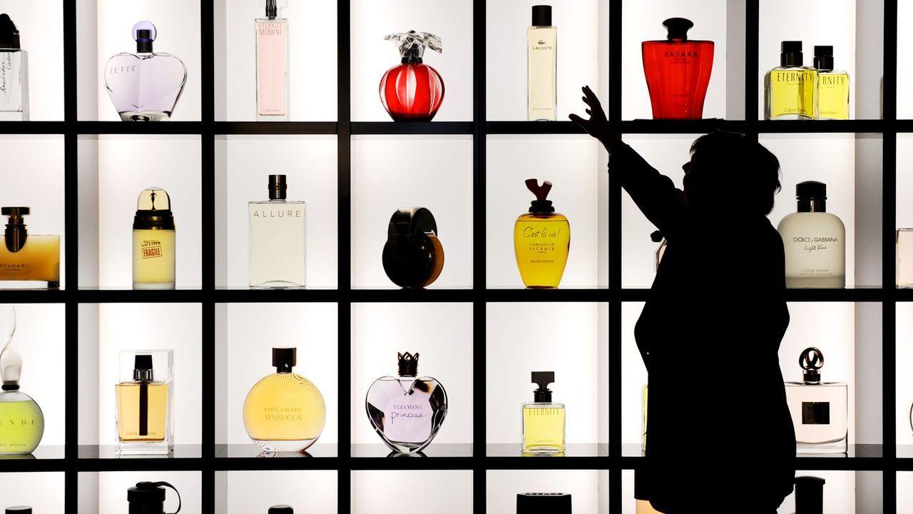 parfum-flacons-10-11-24-dpa - Bildquelle: dpa