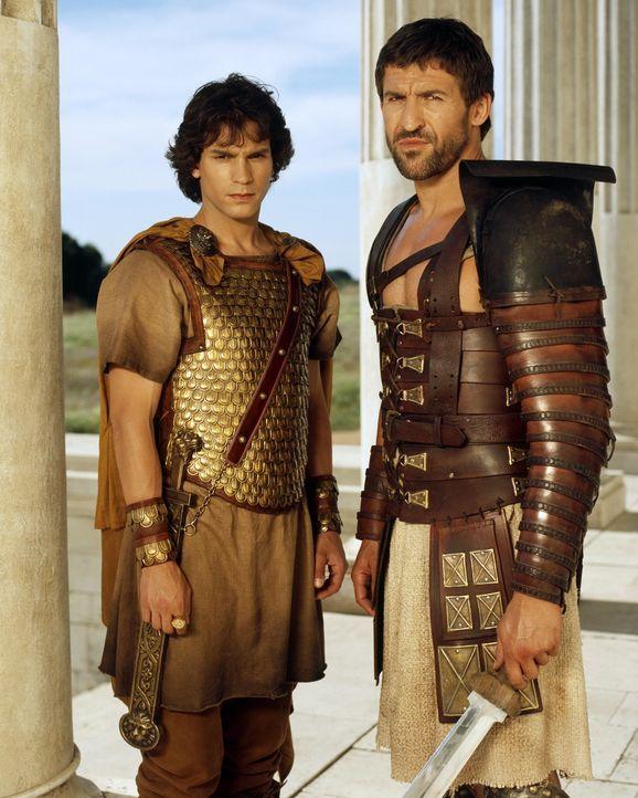 Nicht nur die Mörder Caesars wollen Octavius (Santiago Cabrera, l.) gesamte Blutlinie auslöschen, auch der aufstrebende Feldherr Marcus Antonius s... - Bildquelle: Hallmark Entertainment