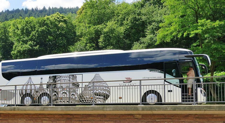 Der Bus ist nicht nur mit Abstand das sicherste sondern auch das umweltfreundlichste und wirtschaftlichste Verkehrsmittel!