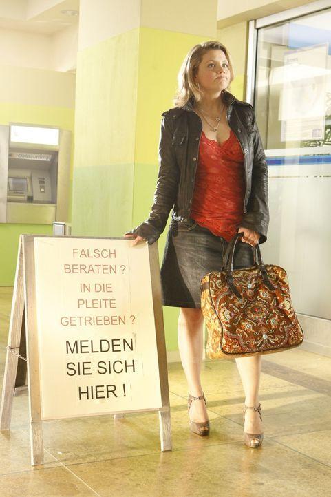 Für ihre Mandanten gibt Danni Lowinski (Annette Frier) alles ... - Bildquelle: SAT.1