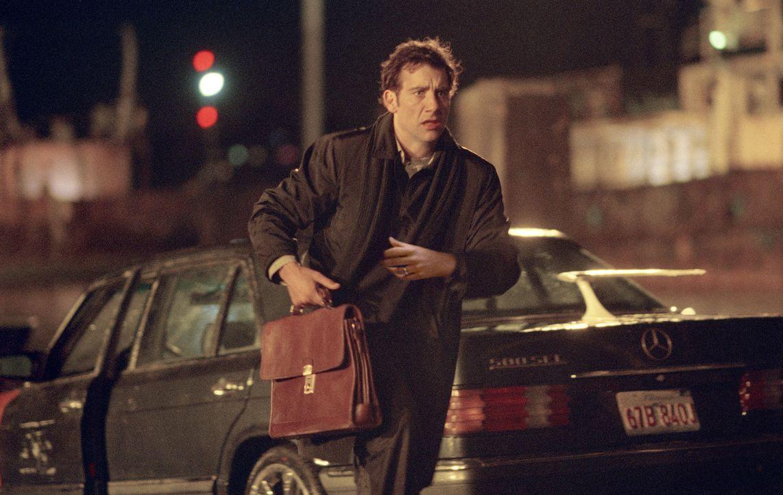 Nach dem Überfall im Hotelzimmer wird Charles (Clive Owen) immer wieder von dem Kriminellen LaRoche kontaktiert. Dieser erpresst immer größere Summe... - Bildquelle: Bill Kaye, Chuck Hodes, Ollie Upton Miramax Films All rights reserved
