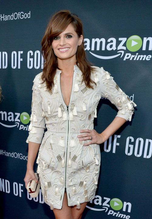 Stana-Katic-150819-getty-AFP - Bildquelle: Charley Gallay/Getty Images for Amazon Studios/AFP