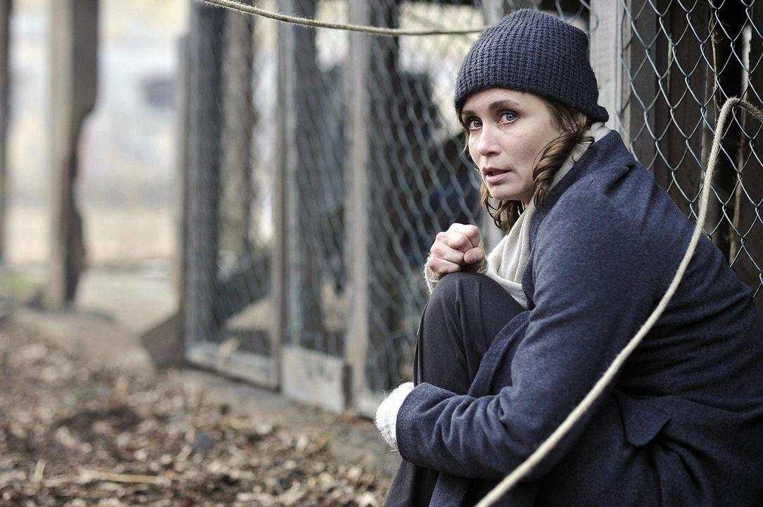 Die Kommissarin Hannah Mangold (Anja Kling) ist noch immer vom Dienst suspendiert, was sie nicht daran hindert, auf eigene Faust zu ermitteln ... - Bildquelle: Oliver Feist SAT.1 / Oliver Feist