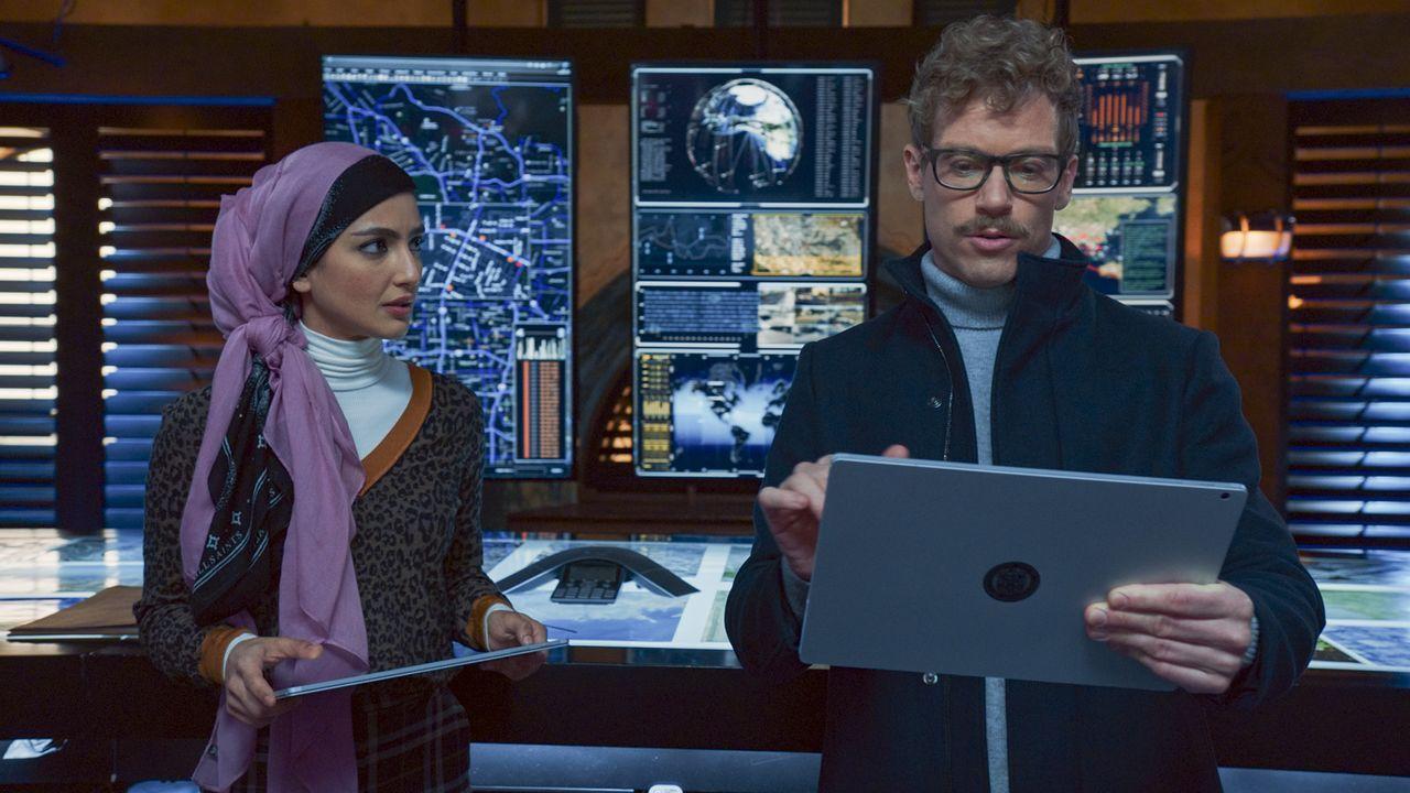 Special Agent Fatima Namazi (Medalion Rahimi, l.); Eric Beale (Barrett Foa, r.) - Bildquelle: 2020 CBS Broadcasting, Inc. All Rights Reserved.
