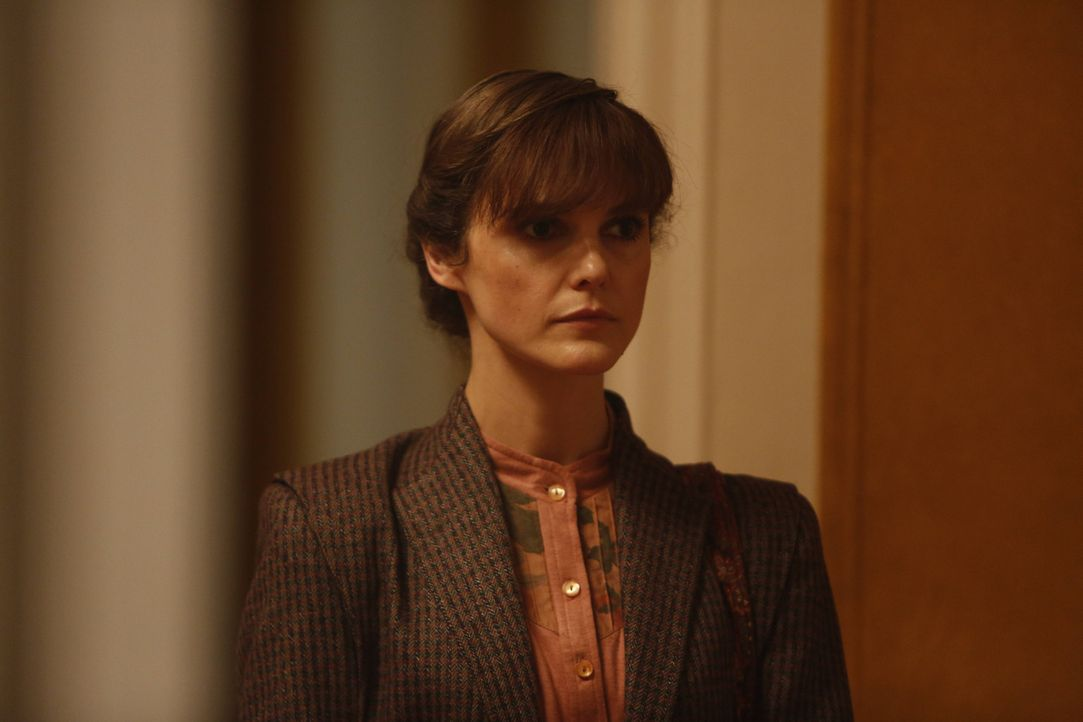 Will eine Wanze im Verteidigungsministerium anbringen: Elizabeth (Keri Russell) ... - Bildquelle: 2013 Twentieth Century Fox Film Corporation and Bluebush Productions, LLC. All rights reserved.