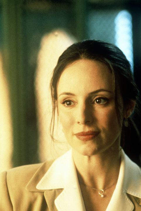 Die attraktive Sara Sunhill (Madeleine Stowe) versucht gemeinsam mit ihrem Kollegen, ein Profil des Mörders zu erstellen, der die erfolgreiche Tocht... - Bildquelle: Paramount Pictures