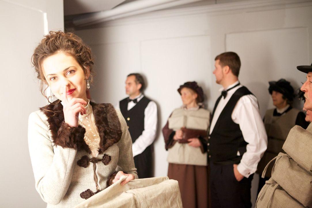 Die letzten Stunden auf der Titanic - ein Kampf um Leben und Tod: Bertha Mayne (Inese Darta Danevica, l.) ... - Bildquelle: CJ December Dangerous Films Ltd