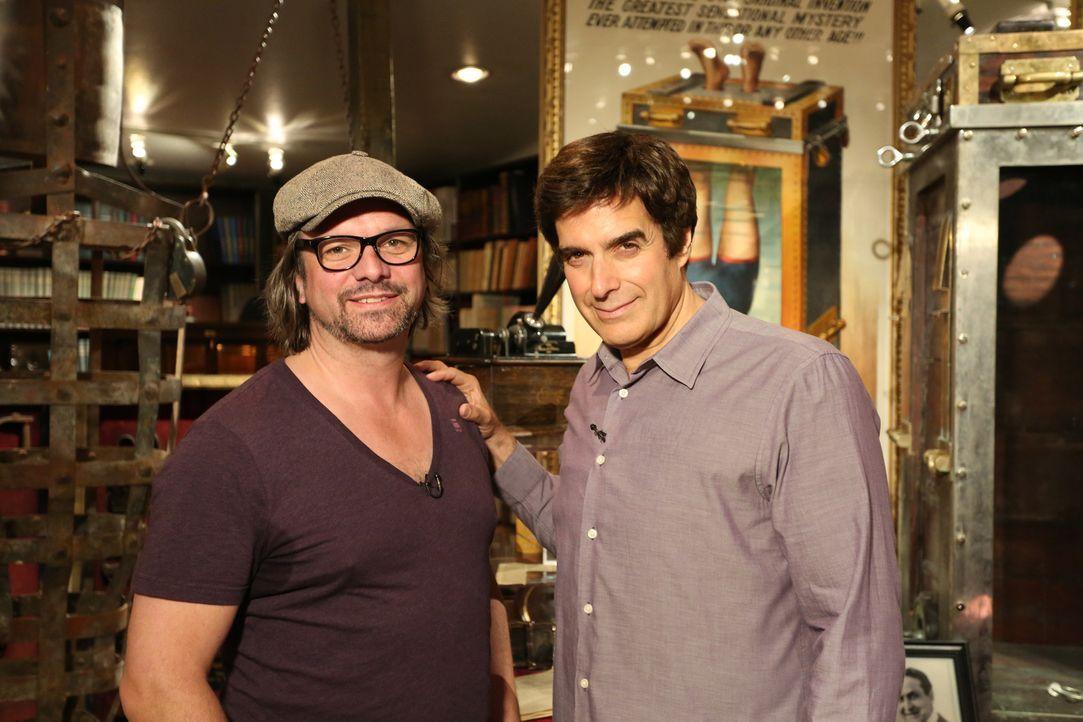 Henning Wehland (l.) und David Copperfield (r.) erfüllen Philippe einen ganz besonderen Wunsch ... - Bildquelle: SAT.1
