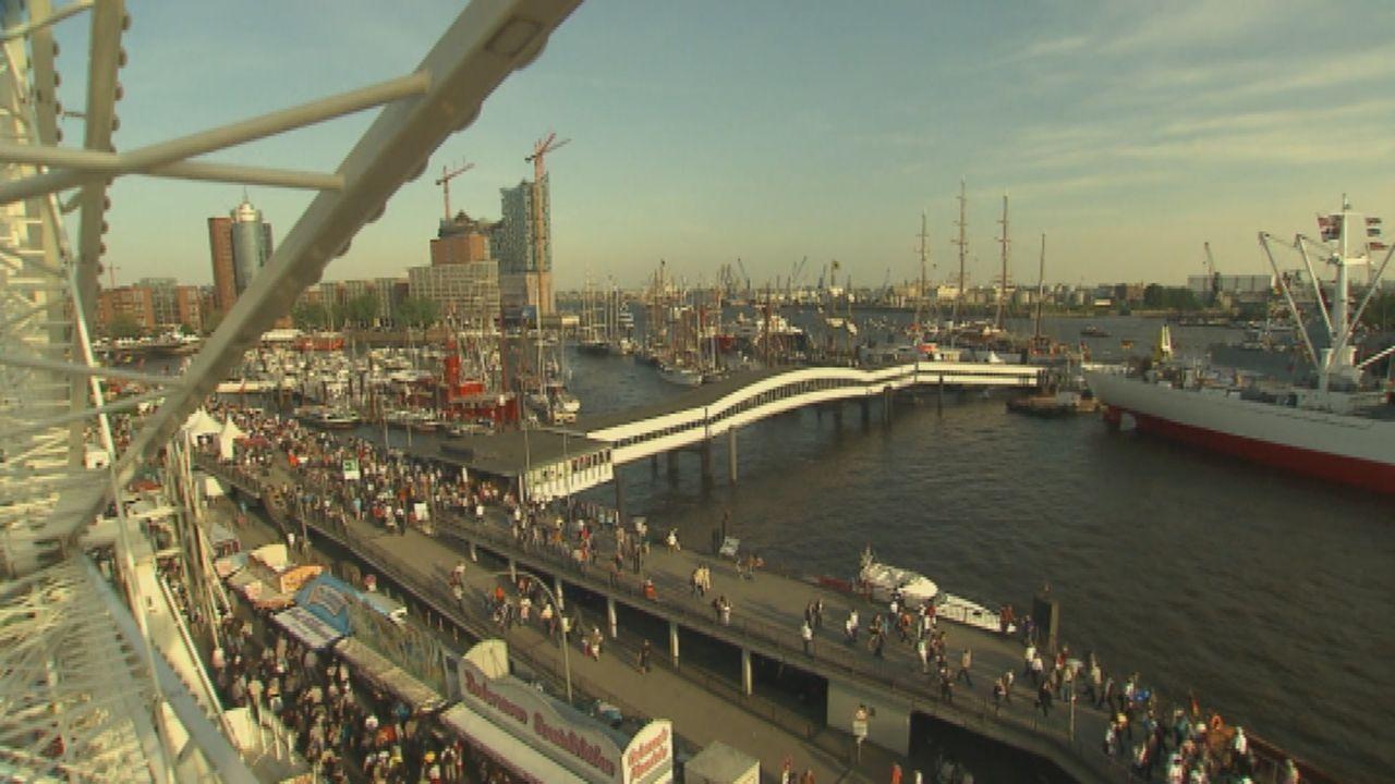 Was den Hamburger Hafen zu einem der schönsten in Europa macht, sind nicht nur die schmucken Landungsbrücken oder die neue gestaltete Hafen-City, so... - Bildquelle: SAT.1