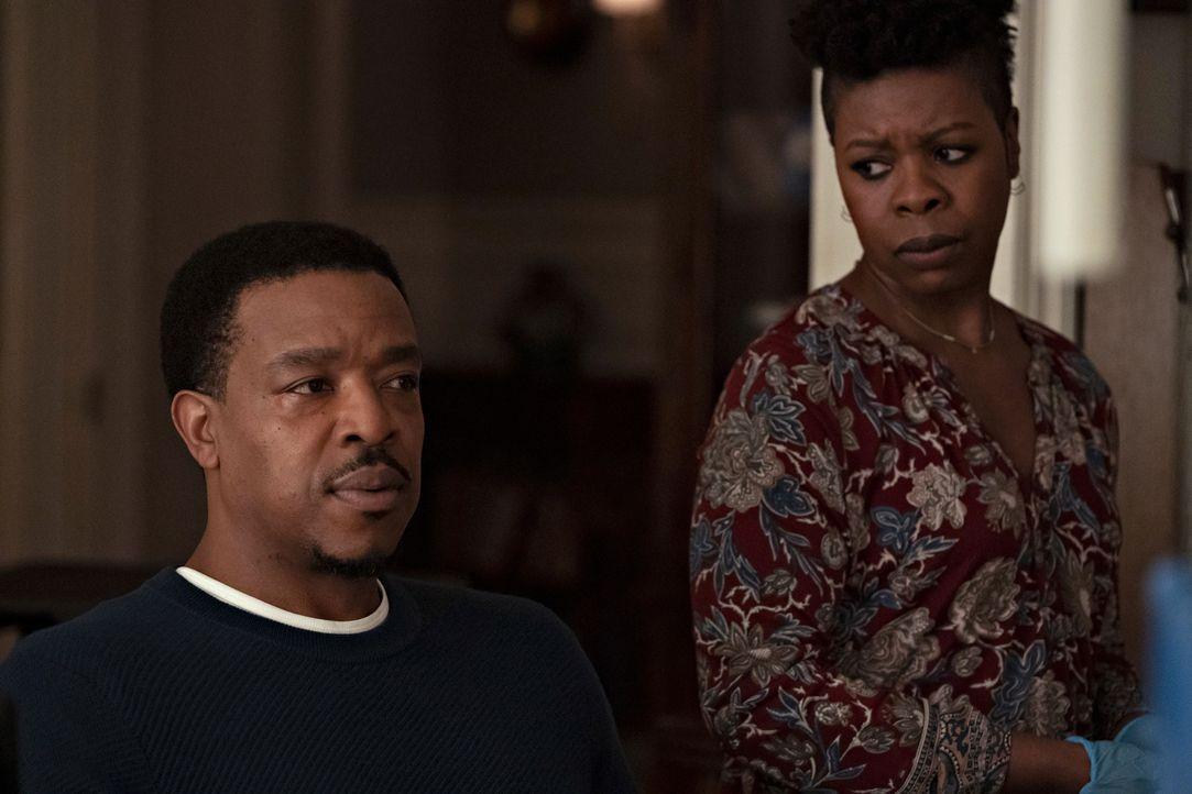 Lincoln Rhyme (Russell Hornsby, l.); Claire (Roslyn Ruff, r.) - Bildquelle: Virginia Sherwood 2020 NBCUniversal Media, LLC / Virginia Sherwood