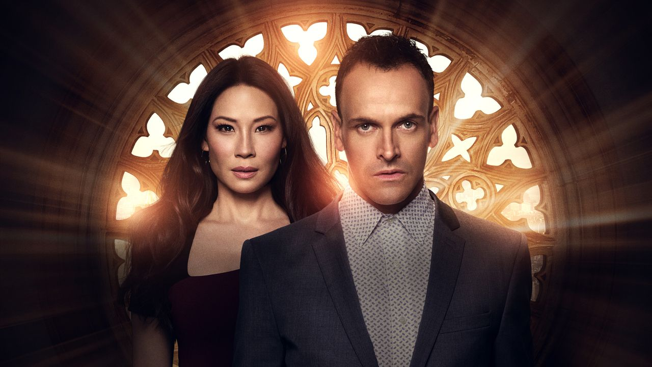 (6. Staffel) - Ein eigensinniges Ermittlerteam in New York: Sherlock Holmes (Jonny Lee Miller, r.) und Joan Watson (Lucy Liu, l.) ... - Bildquelle: 2017 CBS Broadcasting, Inc. All Rights Reserved.