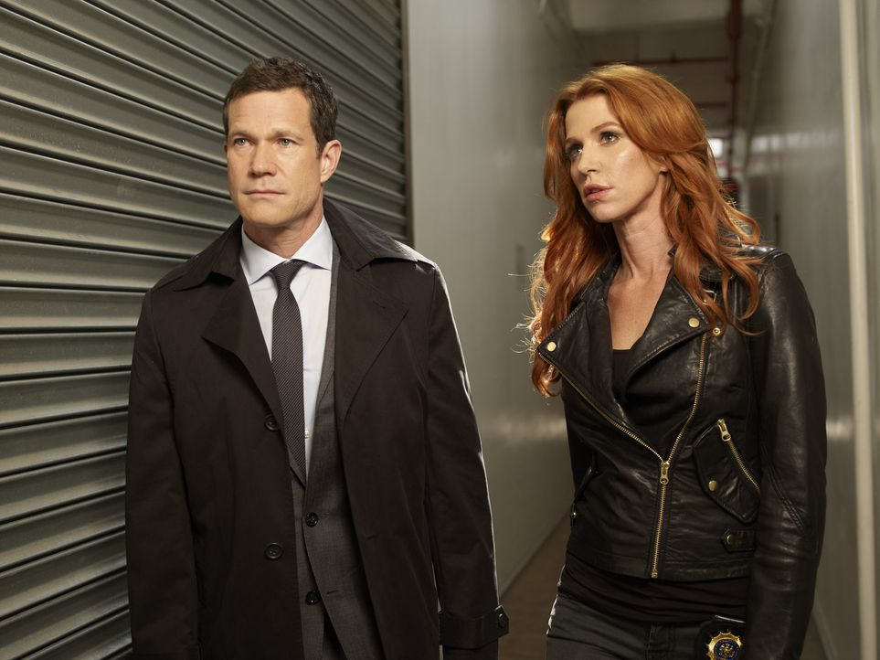 (1. Staffel) - Gemeinsam gehen sie auf Mörderjagd: Detective Carrie Wells (Poppy Montgomery, r.) und Detective Al Burns (Dylan Walsh, l.) ... - Bildquelle: Sony Pictures Television Inc. All Rights Reserved.