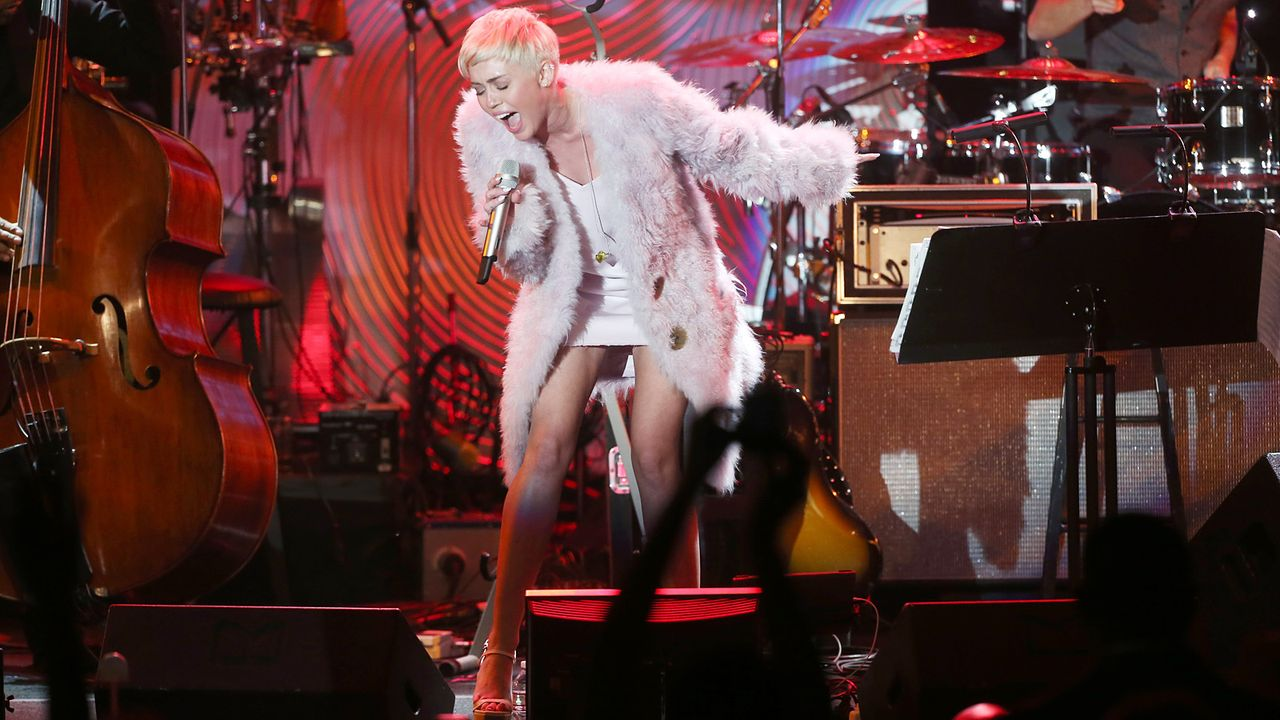 Grammy-Awards-Miley-Cyrus-14-01-26-getty-AFP - Bildquelle: getty-AFP