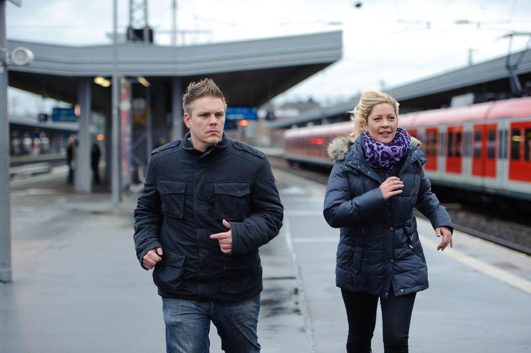 Ein neuer Fall wartet auf die privaten Ermittler Stefanie Scholz (r.) und Karsten Grabowski (l.) ... - Bildquelle: SAT.1