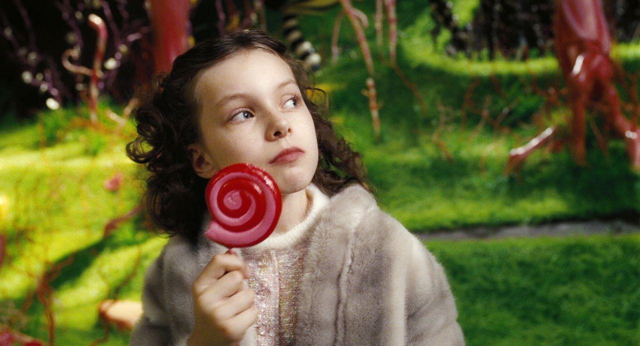 Die verwöhnte Veruschka Salz (Julia Winter), die Wutanfälle bekommt, wenn der Vater ihr nicht sofort alles kauft, was sie haben will, findet als zwe... - Bildquelle: Warner Bros. Pictures