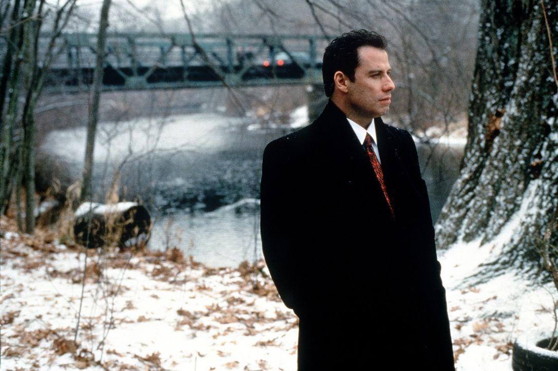 Seit der junge Anwalt Jan Schlichtmann (John Travolta) für seine Klienten Gerechtigkeit und nicht einen bloßen außergerichtlichen Vergleich einfo... - Bildquelle: Paramount Pictures