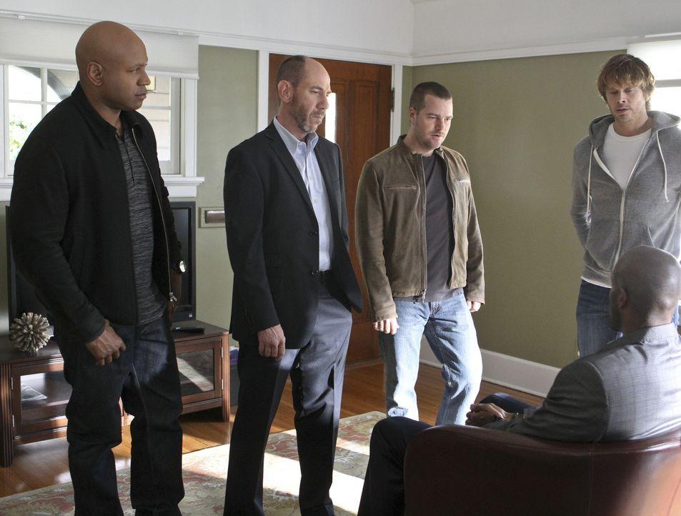 Ein neuer Fall wartet auf Granger (Miguel Ferrer, 2.v.l.), Sam (LL Cool J, l.), Callen (Chris O'Donnell, M.) und Deeks (Eric Christian Olsen, r.) ... - Bildquelle: CBS Studios Inc. All Rights Reserved.