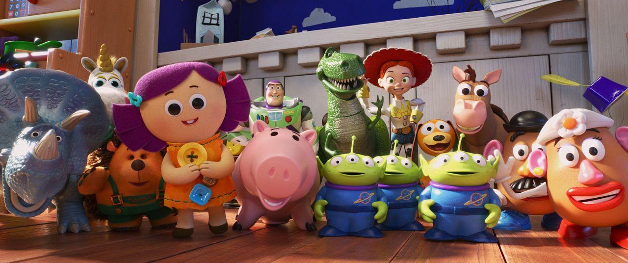(v.l.n.r.) Trixie; Mäusezahn; Sepp Stachel; Dolly; Buzz Lightyear; Specki; Rex; Aliens; Jessie; Slinky; Bully; Charlie Naseweis; Charlotte Naseweis - Bildquelle: 2019 Dinsey/Pixar. All Rights Reserved.