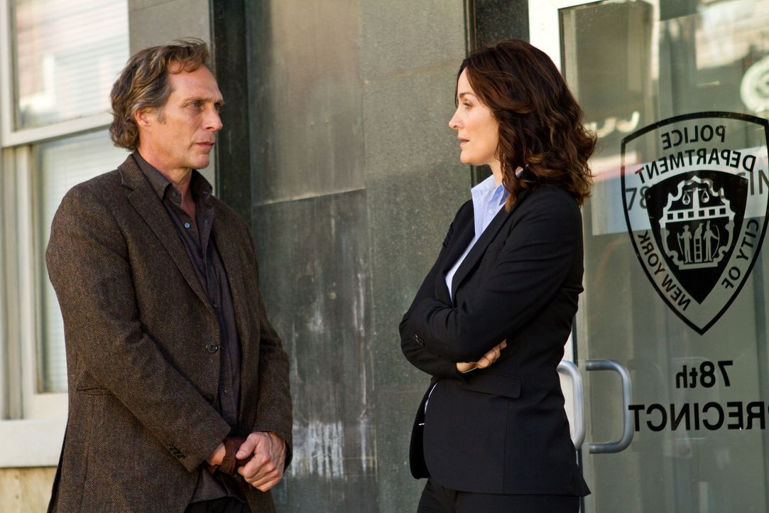 Jagen einen abgrundtief bösen Gangster in New York: Hickman (William Fichtner, r.) und seine Ex-Partnerin Amanda Andrews (Carrie-Ann Moss, l.) ... - Bildquelle: Adriana Yankulova Tandem Productions GmbH. TF1 Production SAS. All rights reserved