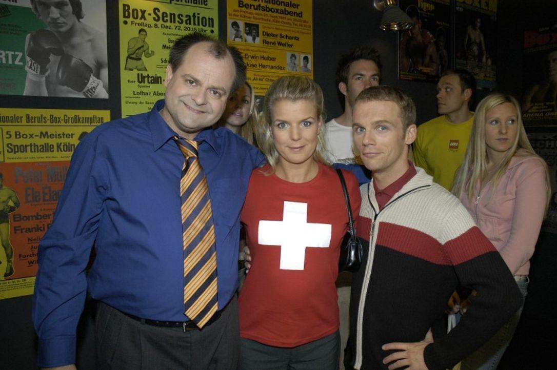 """v.l.n.r.: Markus Majowski, Mirja Boes und Ralf Schmitz sind """"Die Dreisten Drei"""" von Deutschlands witzigster Comedy-WG. - Bildquelle: S. Oliver Sat.1"""
