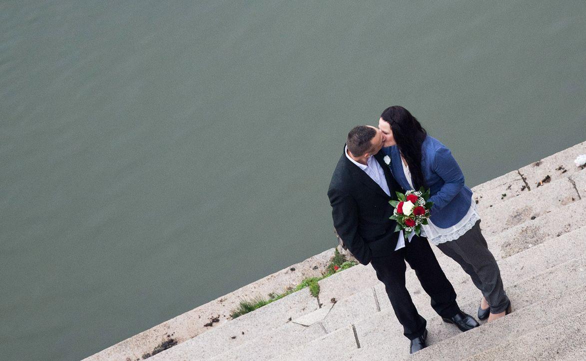 Heiratsantrag-Blumen-2-dpa - Bildquelle: dpa