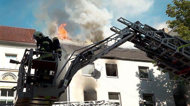 Sieben schwer verletzte Kinder bei Brand in Mehrfamilienhaus