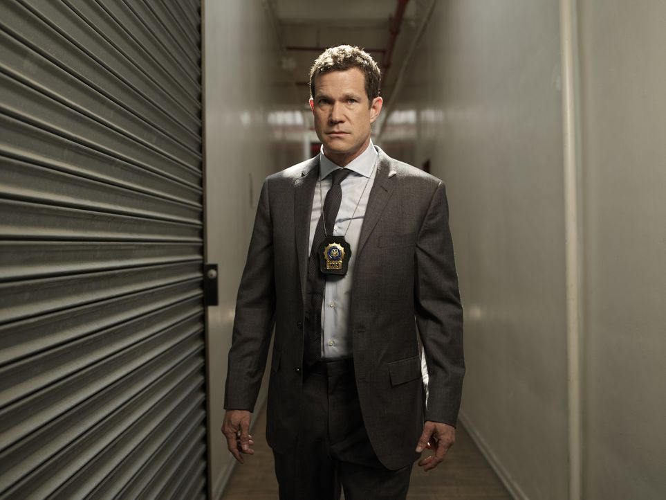 (1. Staffel) - Geht gemeinsam mit Detective Carrie Wells auf Verbrecherjagd: Detective Al Burns (Dylan Walsh) ... - Bildquelle: Sony Pictures Television Inc. All Rights Reserved.