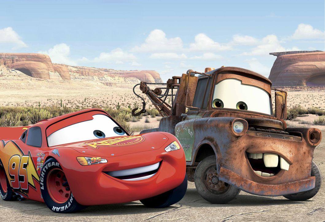 Abschleppwagen Hook (r.) ist ein echtes Landei mit einfachem Gemüt und einem ganz großen Herzen, und so ist für ihn auch ganz schnell klar, dass... - Bildquelle: Walt Disney Pictures
