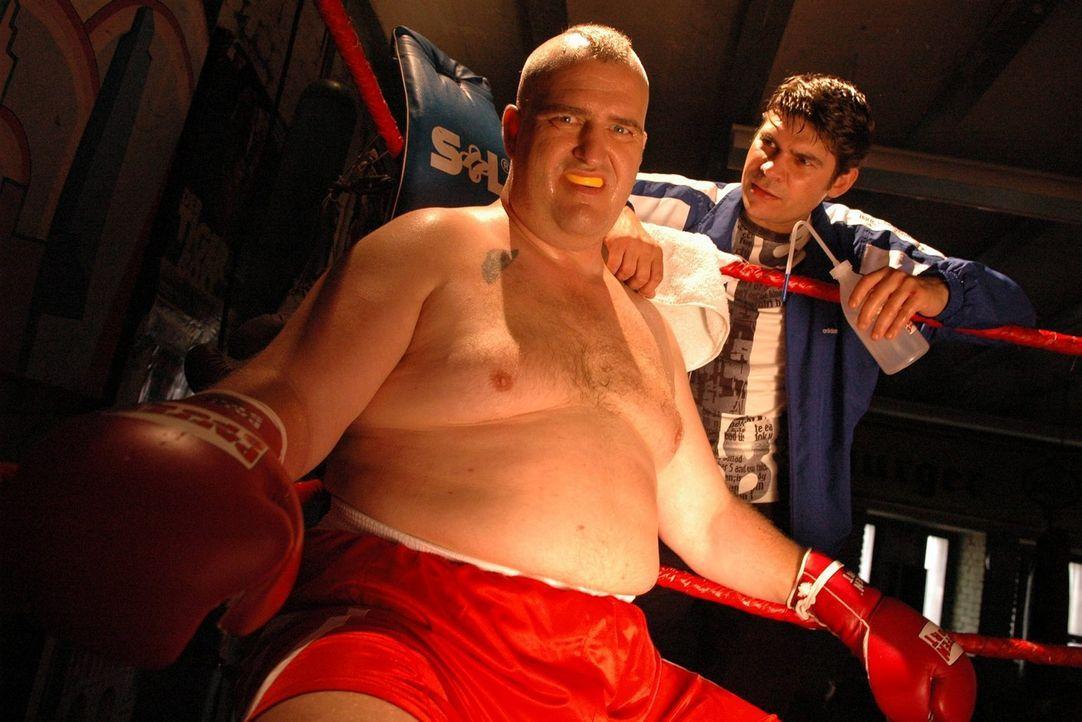 Markus Maria Profitlich versucht sich als Boxer. - Bildquelle: Sat.1
