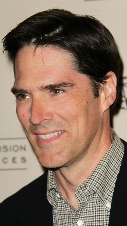 thomas-gibson-10-11-01-lächelnd-getty-AFP - Bildquelle: getty-AFP