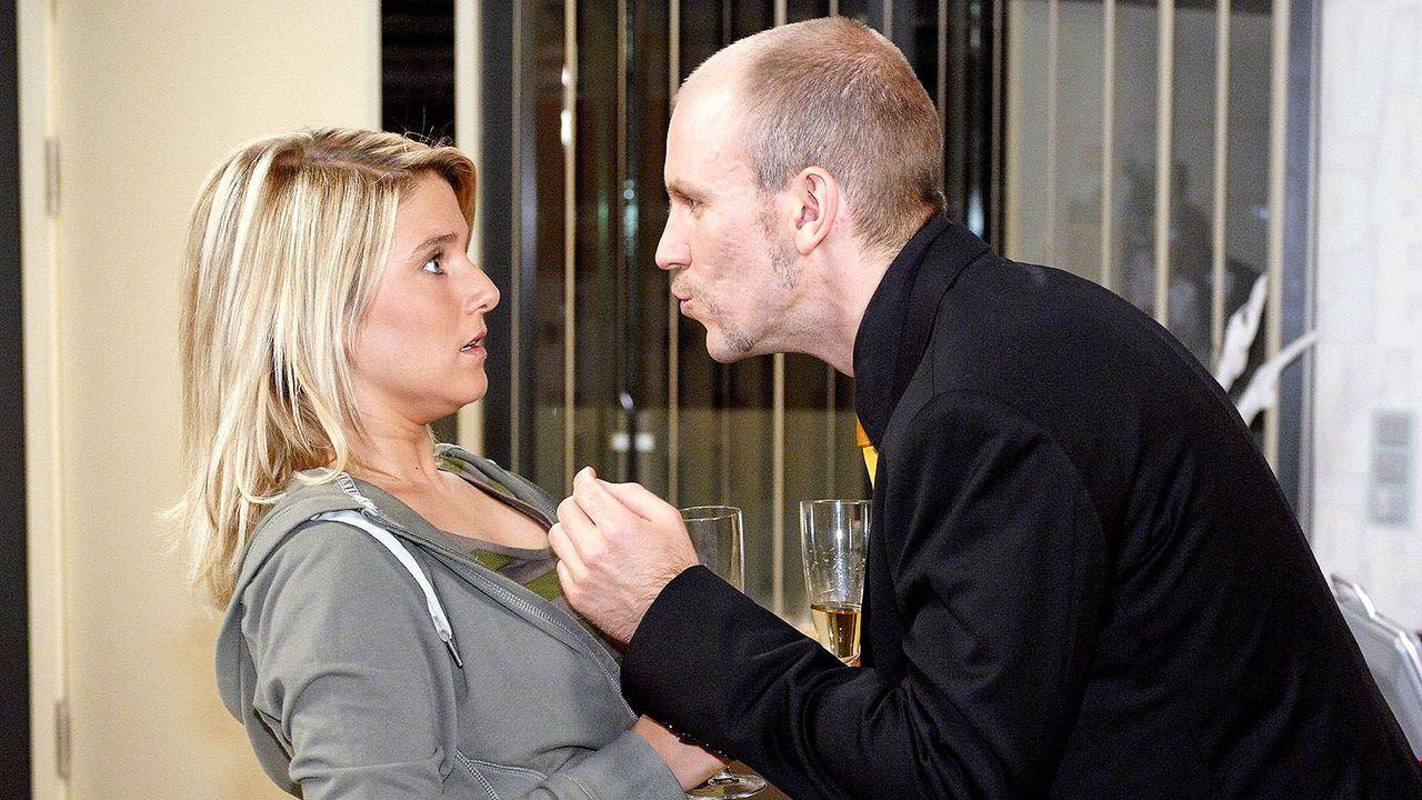 Anna-und-die-Liebe-Folge-28-01-sat1-oliver-ziebe - Bildquelle: SAT.1/Oliver Ziebe