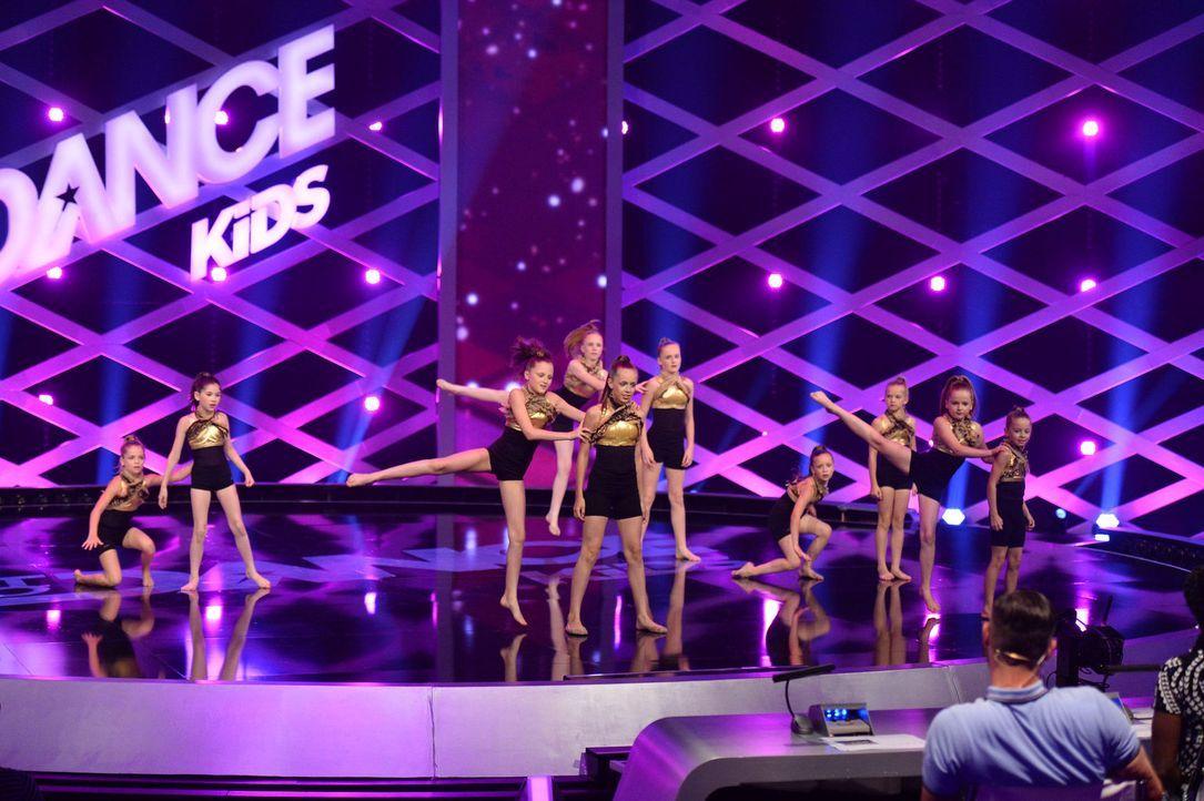Die Ballettgruppe Bliss möchte die Jury von sich überzeugen. Doch wird es ihnen gelingen? - Bildquelle: Willi Weber SAT.1