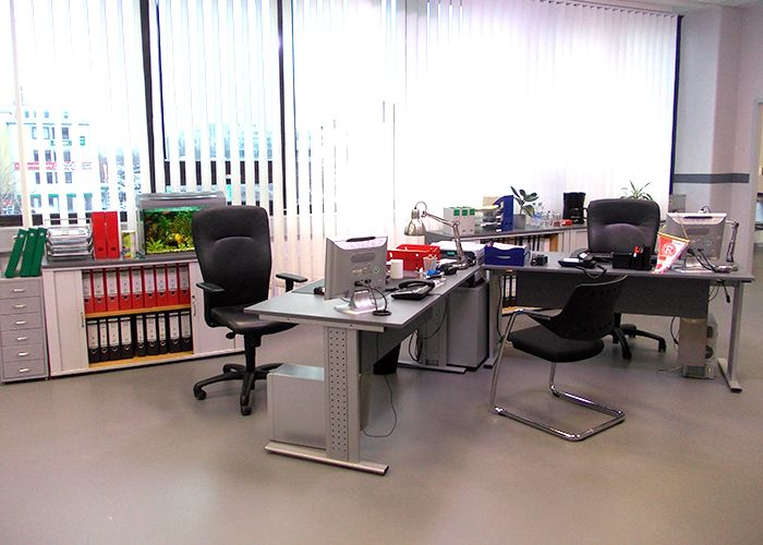 k11-130108-alexs-und-michaels-arbeitsplatz-03_SAT - Bildquelle: Constantin Entertainment GmbH/SAT.1