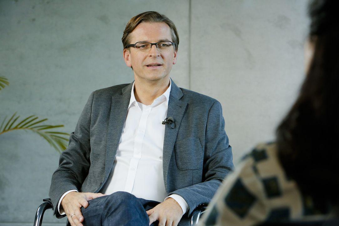 Journalist Claus Strunz - Bildquelle: Richard Hübner SAT.1