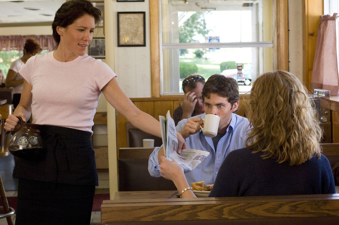 Endlich ist sich Kevin (James Marsden, l.) seiner Gefühle für Jane (Katherine Heigl, r.) bewusst geworden - doch wie es das Schicksal will, bekomm... - Bildquelle: Twentieth Century Fox Film Corporation