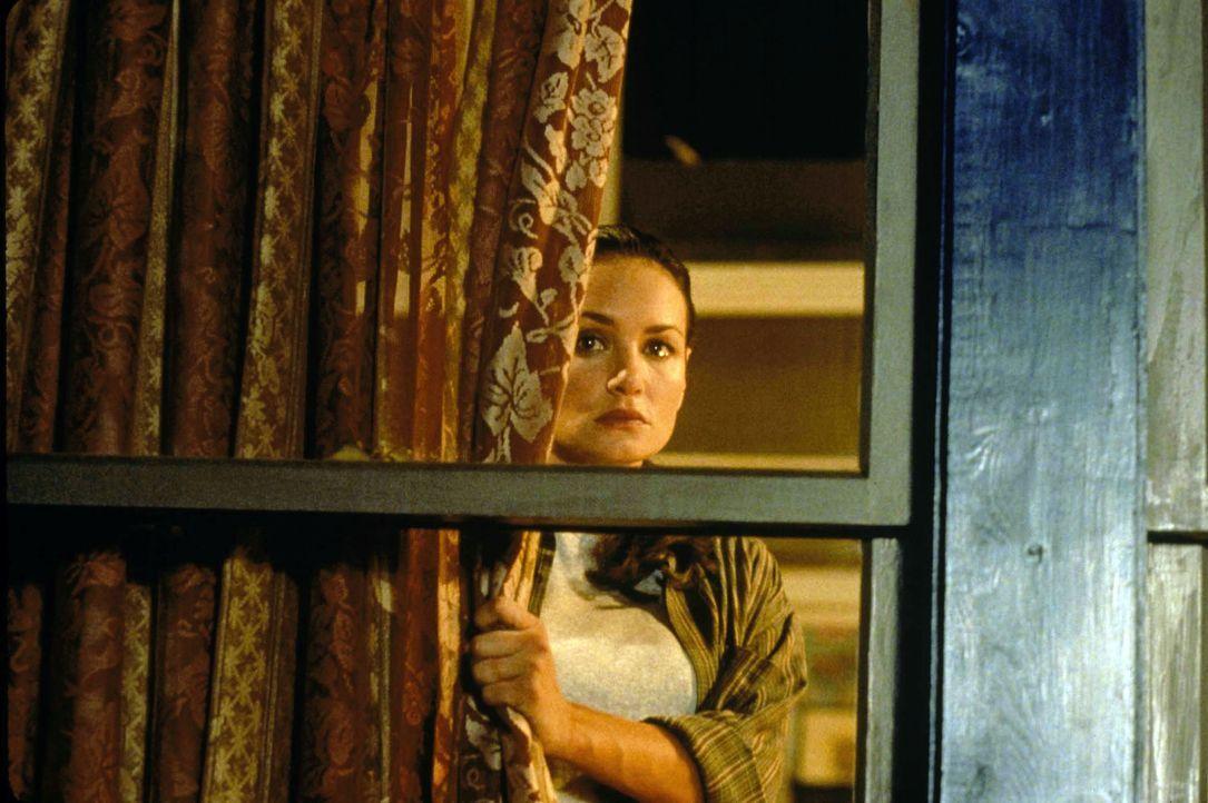 Auch die Lehrerin Valerie Lewton (Kristen Cloke) kann ihrem eigenen Tod nicht länger entgehen ... - Bildquelle: Warner Bros.