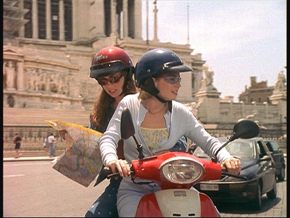Die beiden jungen Hexen Sabrina (Melissa Joan Hart, r.) und Gwen (Tara Charendoff, l.) müssen eine schier unmögliche Mission erfüllen ... - Bildquelle: American Broadcasting Company