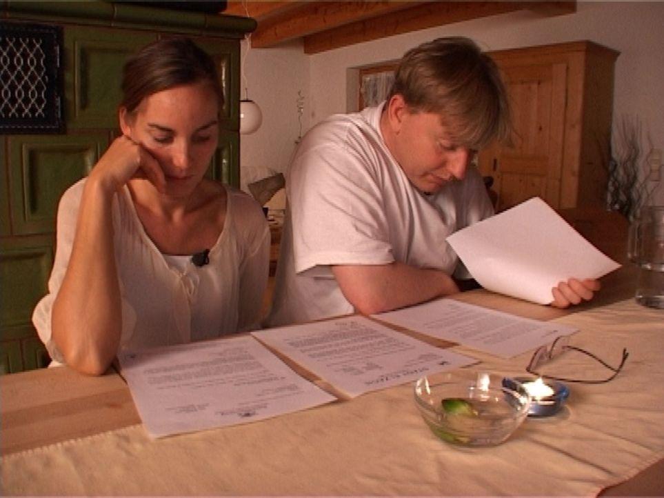 Ehepaar Landwehr sucht eine Wohnung für sich und ihre acht Kinder. Sie müssen die alte Wohnung per Gerichtsbeschluss räumen und finden keine neue. D... - Bildquelle: Sat.1