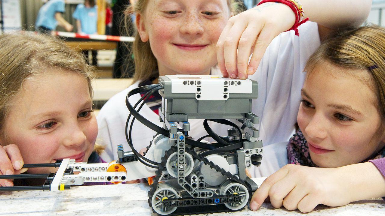kinder-technik-roboterbau-10-11-19-dpa - Bildquelle: dpa