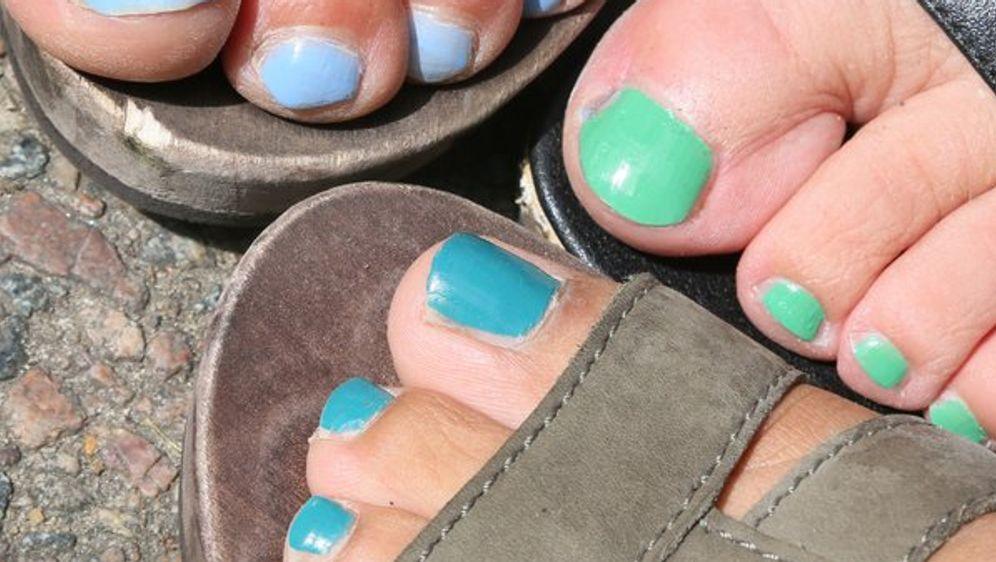 Lackiert fußnägel Fußnägel lackieren: