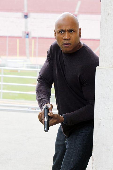 Bei den Ermittlungen setzt er immer wieder sein Leben aufs Spiel: Sam (LL Cool J) ... - Bildquelle: CBS Studios Inc. All Rights Reserved.