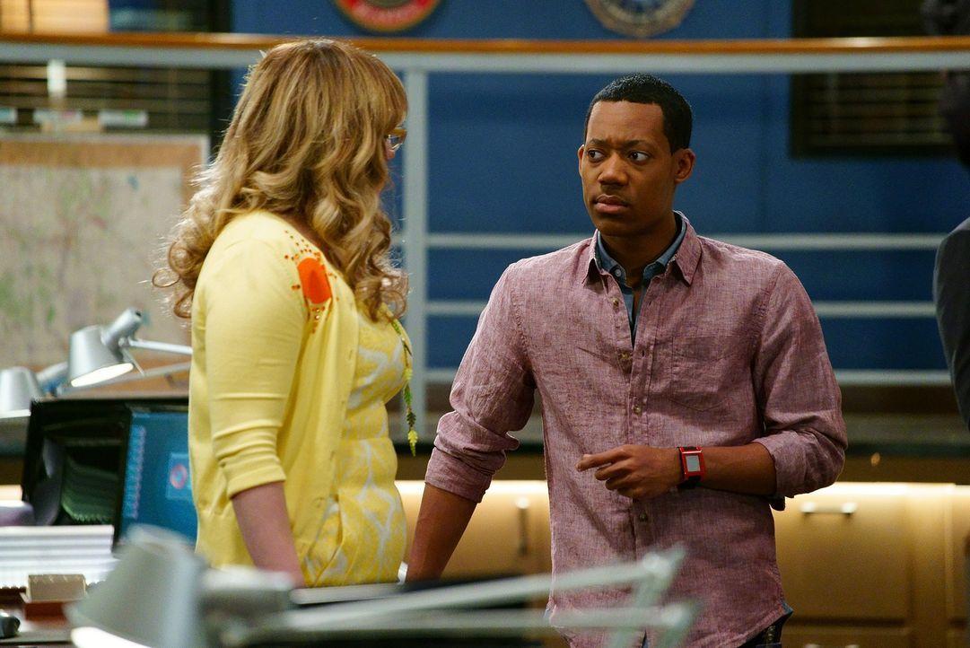 Stehen ihren Teams mit Rat und Tat zur Seite: Russ Montgomery (Tyler James Williams, r.) und Garcia (Kirsten Vangsness, l.) ... - Bildquelle: ABC Studios