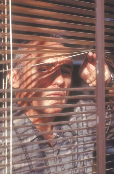 Der Bombenexperte Howard Payne (Dennis Hopper) stellt den Polizisten Jack vor die größte Bewährungsprobe seines Lebens ... - Bildquelle: Twentieth Century Fox of Germany
