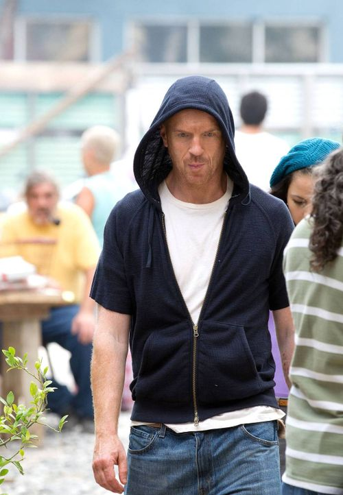 Carrie ist immer noch in der Psychiatrie, während Brody (Damian Lewis) in Caracas von El Nino gefangen gehalten wird ... - Bildquelle: 2013 Twentieth Century Fox Film Corporation. All rights reserved.