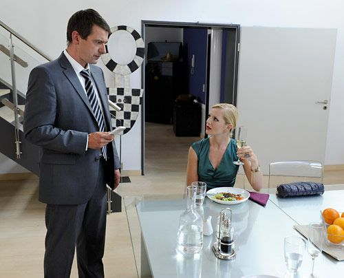 Erhalten eine schreckliche Nachricht: Stefan und Helena - Bildquelle: Christoph Assmann - Sat1