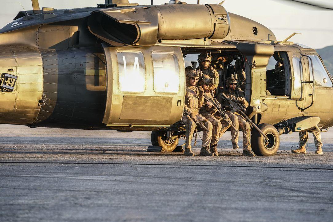Bevor das SEAL-Team nach Hause zurückkehrt, haben sie eine letzte Rache-Mission zu erfüllen ... - Bildquelle: Erik Voake Erik Voake/CBS   2018 CBS Broadcasting, Inc. All Rights Reserved.