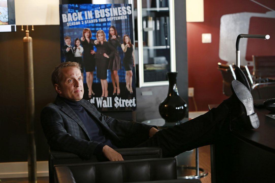 """Die Realityshow """"The Wives of Wall Street"""" wird von Peter Monroe (Patrick Fabian) produziert. Als eine der Protagonistinnen ermordet wird, gerät au... - Bildquelle: 2013 American Broadcasting Companies, Inc. All rights reserved."""